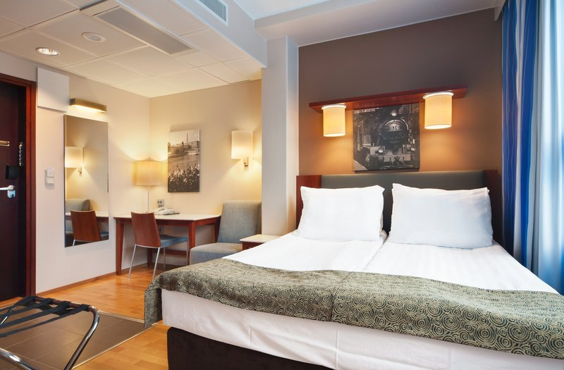 Holiday Inn Tampere - Central Station-Standard Queen Bed room with taylor made bed and Pillow Menu<br/>Image from Leonardo