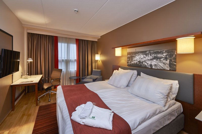 Holiday Inn Tampere - Central Station-Executive room features comfortable extra amenities<br/>Image from Leonardo