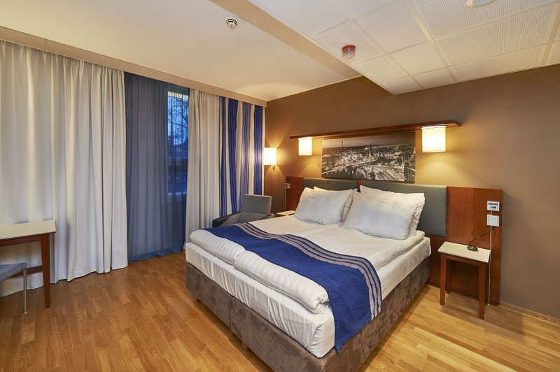 Holiday Inn Tampere - Central Station-Wheelchair accessible guest room can be connected to a second room<br/>Image from Leonardo