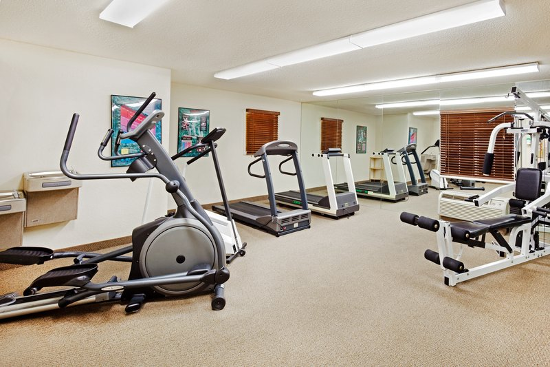 Candlewood Suites Knoxville-Complimentary Fitness Center, nicely-equipped to fit your routine<br/>Image from Leonardo