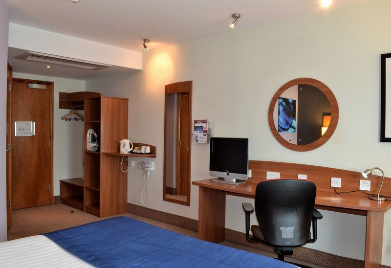 Holiday Inn Express Braintree-Double Bed Guest Room<br/>Image from Leonardo