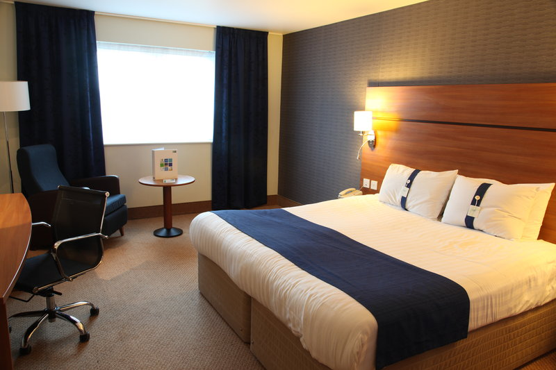 Holiday Inn Express Braintree-Queen Bed Guest Room<br/>Image from Leonardo