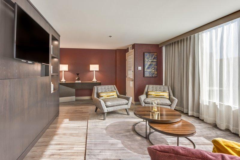 Crowne Plaza Downtown Denver-Guest Room<br/>Image from Leonardo