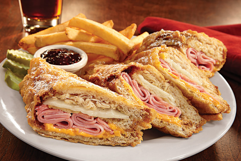 Holiday Inn Hotel & Suites Des Moines-Northwest-World Famous Monte Crisco...yumm!<br/>Image from Leonardo