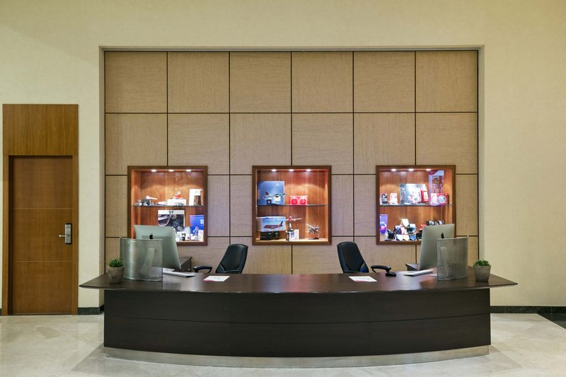 Crowne Plaza Brussels Airport-Our business centre is at your disposal 24/7 <br/>Image from Leonardo