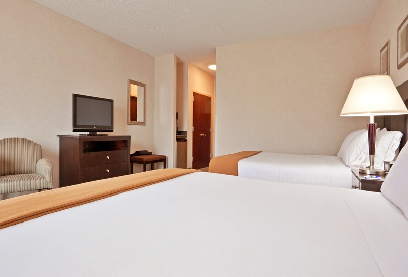 Holiday Inn Express & Suites North East (Erie I-90 Exit 41)-Queen Bed Guest Room<br/>Image from Leonardo