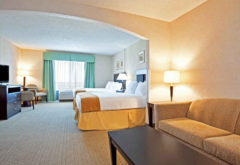 Holiday Inn Express & Suites North East (Erie I-90 Exit 41)-Executive Suite<br/>Image from Leonardo