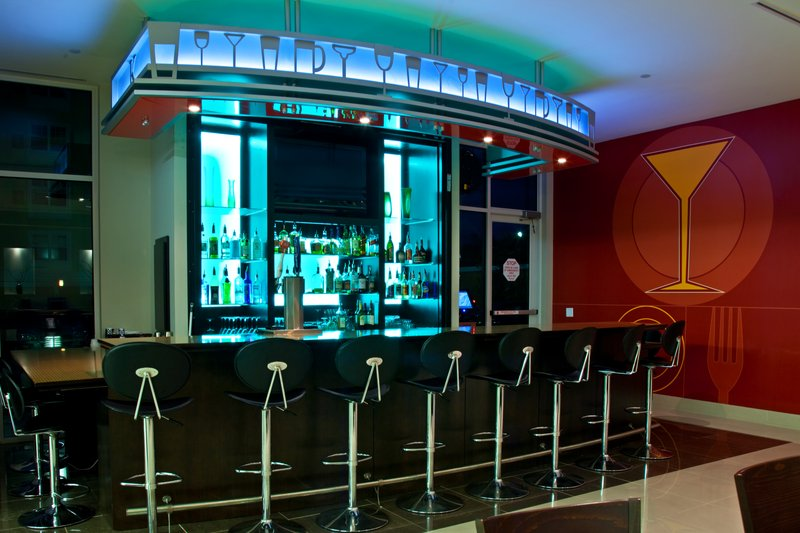 Holiday Inn Louisville Airport - Fair/Expo-Bar and Lounge<br/>Image from Leonardo