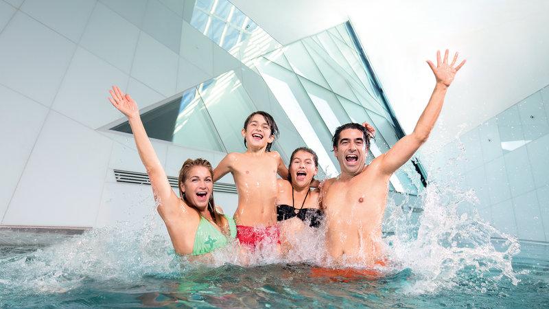 Holiday Inn Bern - Westside-Bernaqua - Erlebnisbad Fitness Wellness - Family Fun<br/>Image from Leonardo