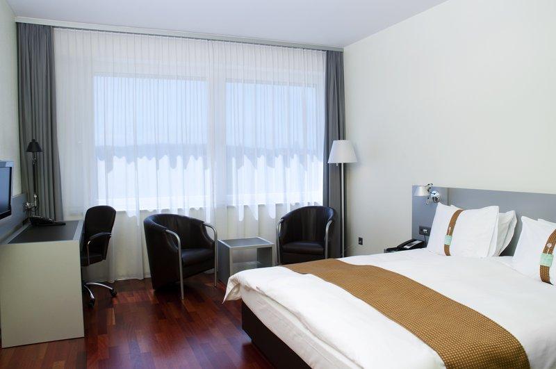 Holiday Inn Bern - Westside-Executive King Bed Room<br/>Image from Leonardo