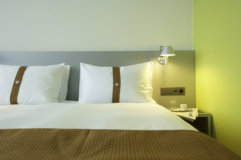 Holiday Inn Bern - Westside-Double Bed Guest Room<br/>Image from Leonardo