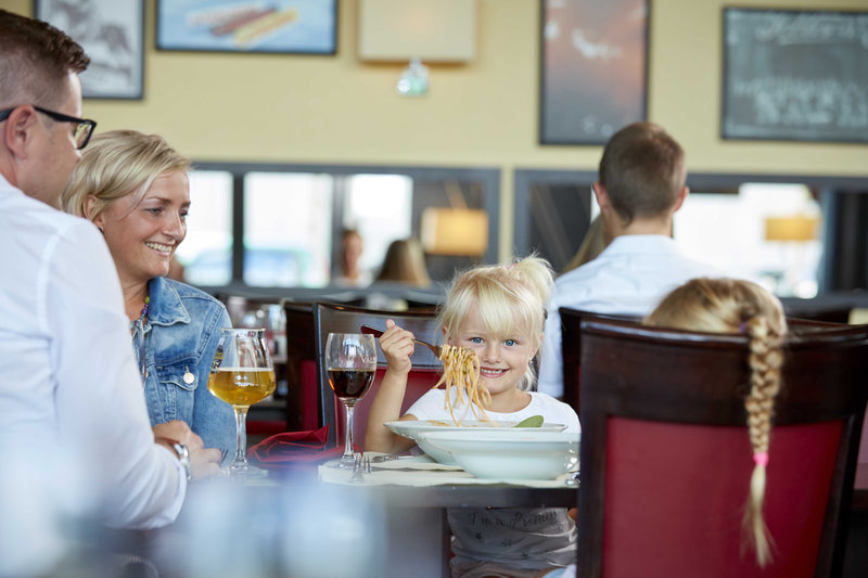 Holiday Inn Bern - Westside-Brasserie Bits&Bites Family Dinner Food&Beverage Bern<br/>Image from Leonardo