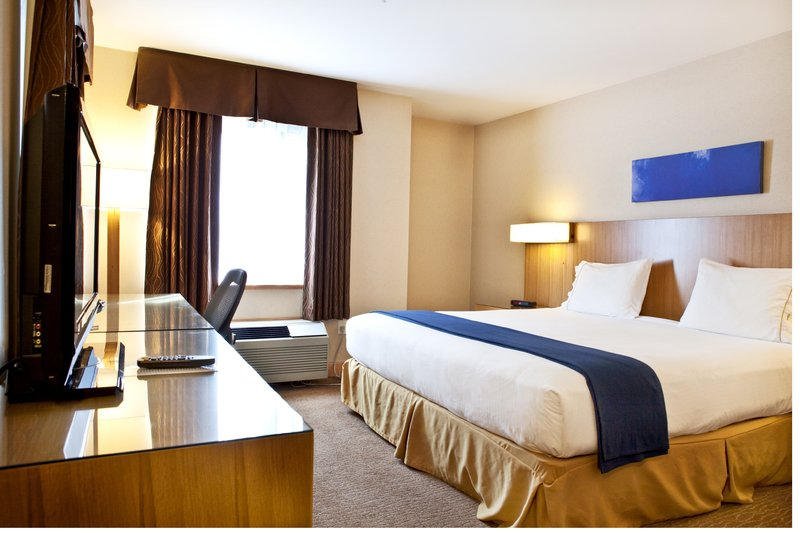 Holiday Inn Express & Suites Langley-King Bed Room<br/>Image from Leonardo