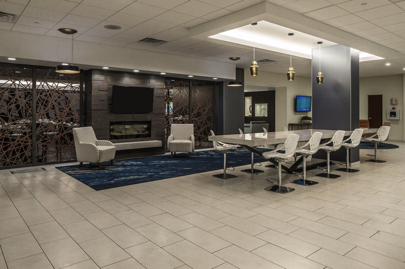 Crowne Plaza Hotel & Suites Pittsburgh South-Hotel Lobby<br/>Image from Leonardo
