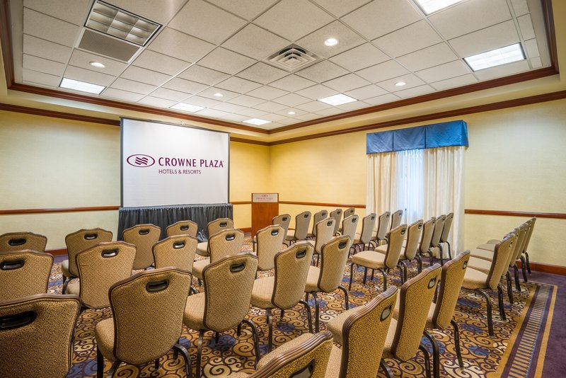 Crowne Plaza Hotel & Suites Pittsburgh South-Duquesne Room<br/>Image from Leonardo