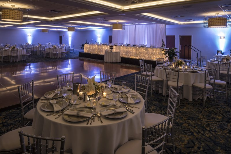 Crowne Plaza Hotel & Suites Pittsburgh South-Wedding Reception<br/>Image from Leonardo
