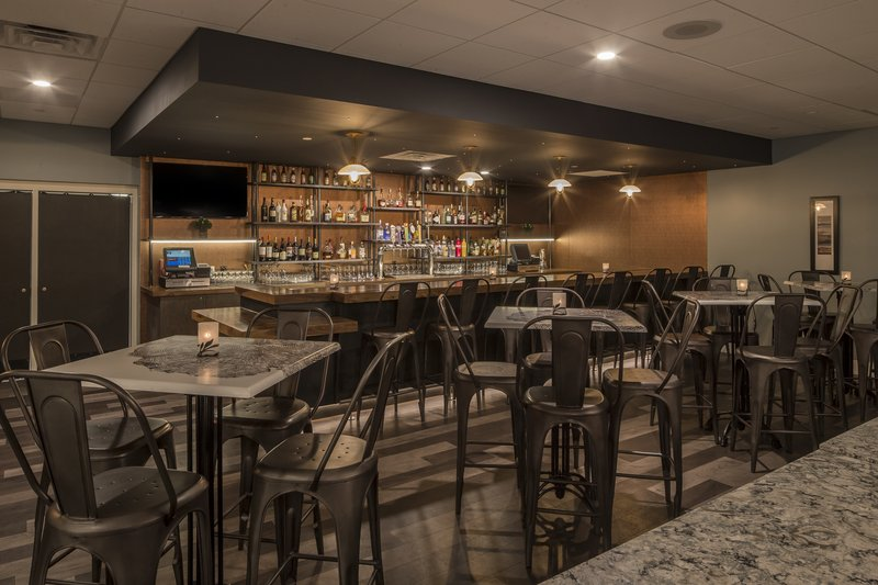 Crowne Plaza Hotel & Suites Pittsburgh South-Lobby Bar<br/>Image from Leonardo