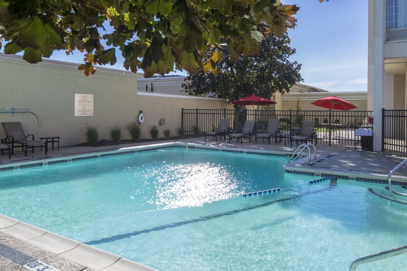 Crowne Plaza Hotel & Suites Pittsburgh South-Outdoor Pool<br/>Image from Leonardo