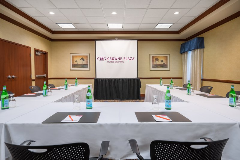 Crowne Plaza Hotel & Suites Pittsburgh South-Baldwin Room<br/>Image from Leonardo