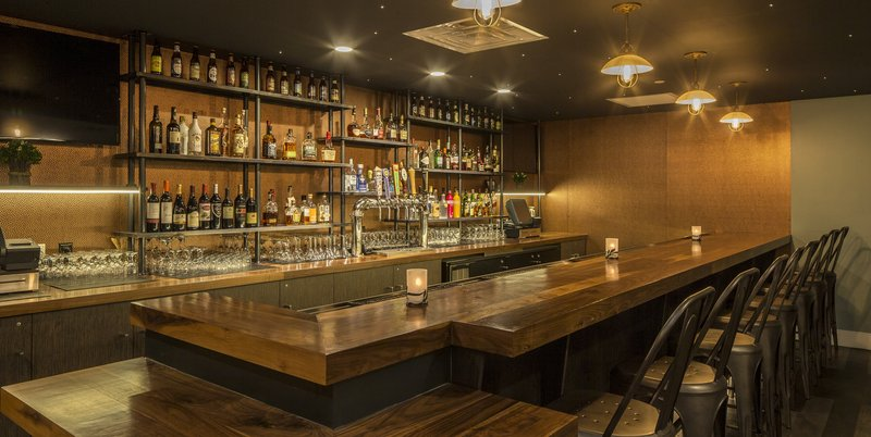 Crowne Plaza Hotel & Suites Pittsburgh South-Bar and Lounge<br/>Image from Leonardo