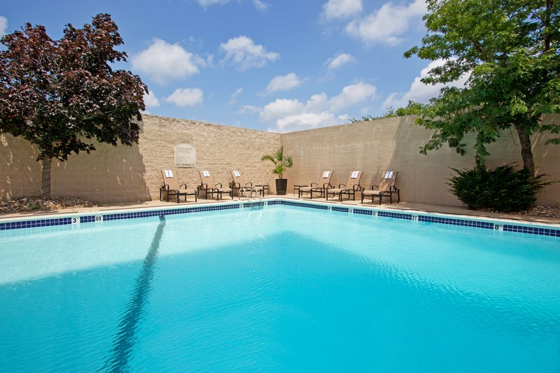 Crowne Plaza Hotel & Suites Pittsburgh South-Outdoor Heated Swimming Pool<br/>Image from Leonardo
