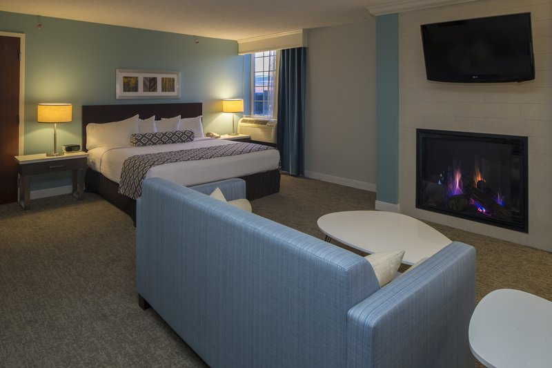 Crowne Plaza Hotel & Suites Pittsburgh South-Guest Room<br/>Image from Leonardo