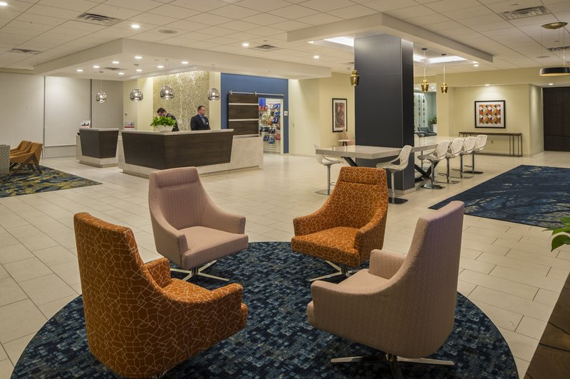 Crowne Plaza Hotel & Suites Pittsburgh South-Lobby Lounge<br/>Image from Leonardo