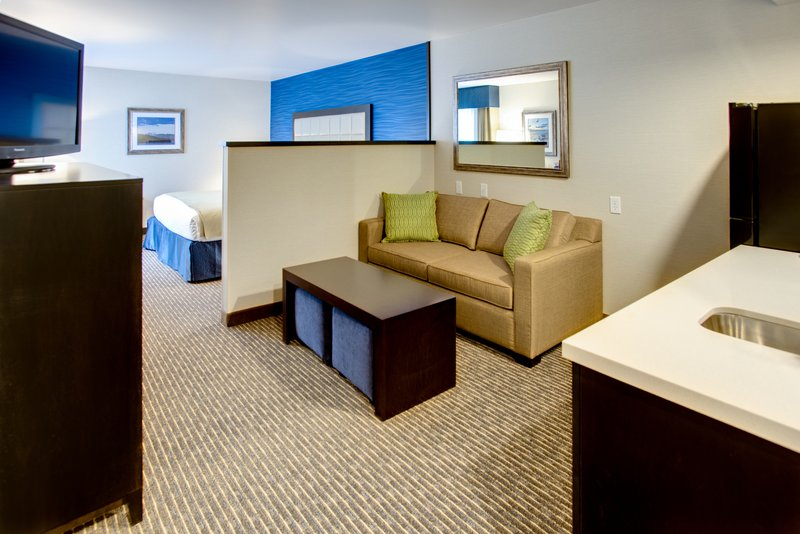 Holiday Inn Express Bellingham-One King Bed Jr. Suite Guest Room<br/>Image from Leonardo