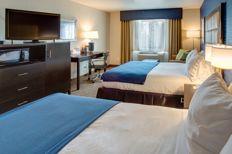 Holiday Inn Express Bellingham-Queen Bed Guest Room<br/>Image from Leonardo