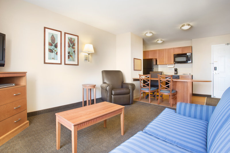 Candlewood Suites Yuma-Living Space of the Deluxe Suite<br/>Image from Leonardo