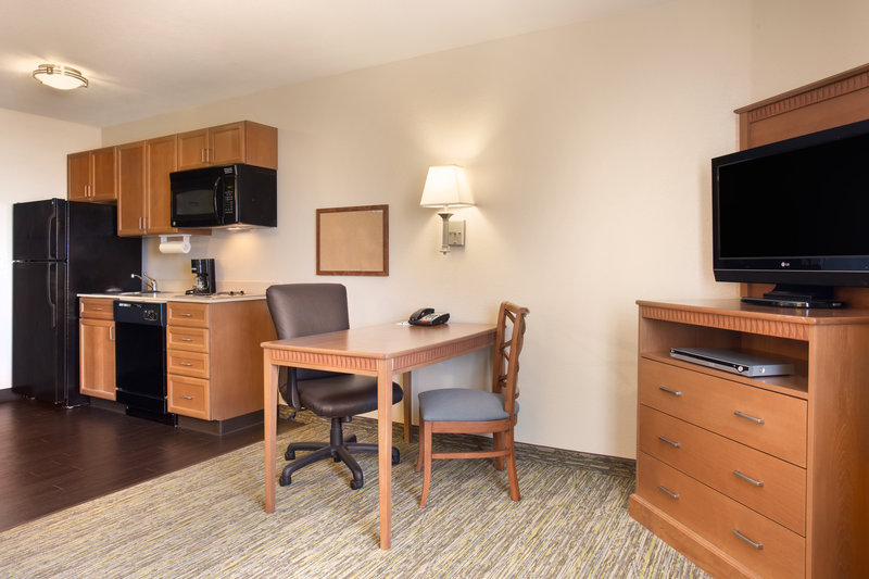 Candlewood Suites Yuma-Studio Suite Kitchen<br/>Image from Leonardo