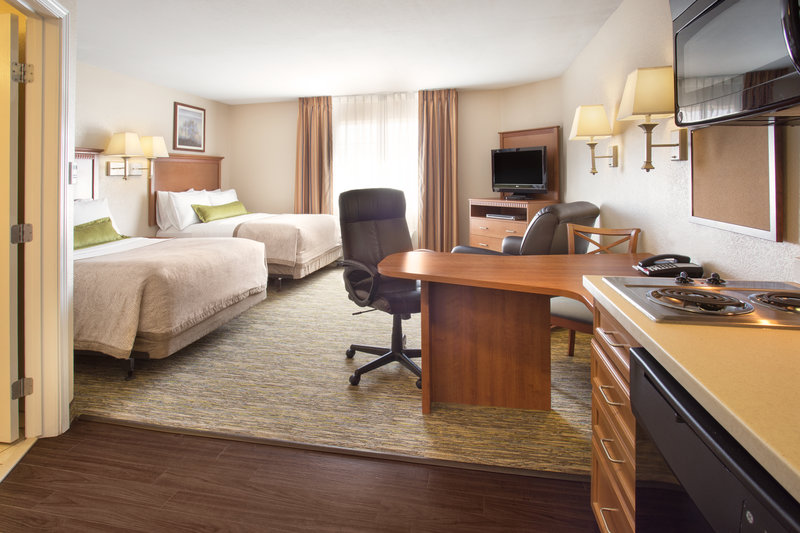 Candlewood Suites Yuma-ADA/Handicapped accessible Two Double Bed Studio Suite<br/>Image from Leonardo