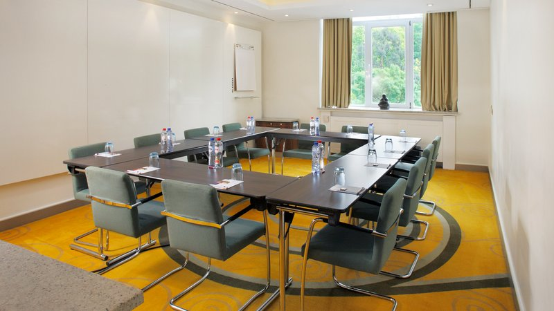 Crowne Plaza Brussels - Le Palace-Inspiration Room - Set-up in closed Ushape  (max 9 people)<br/>Image from Leonardo