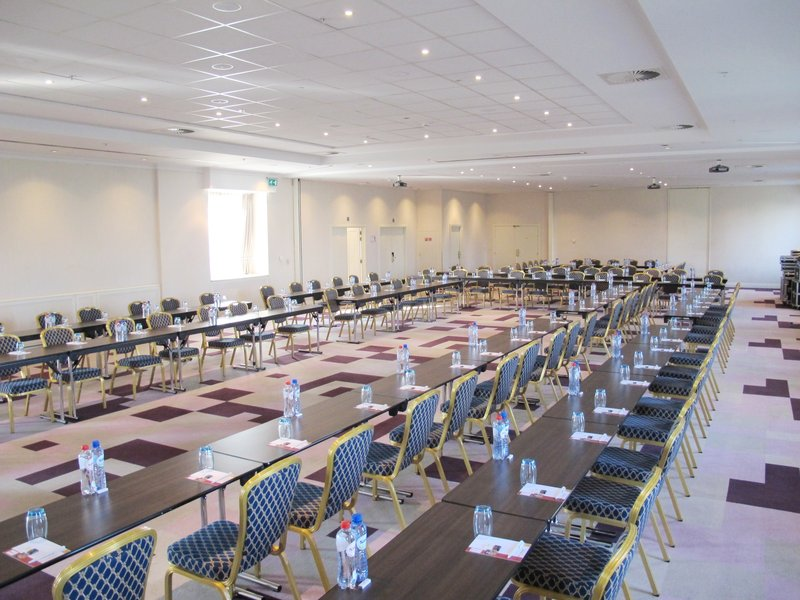 Crowne Plaza Brussels - Le Palace-Clarity &  Vision Rooms - Closed U-shape style (max. 120 people)<br/>Image from Leonardo