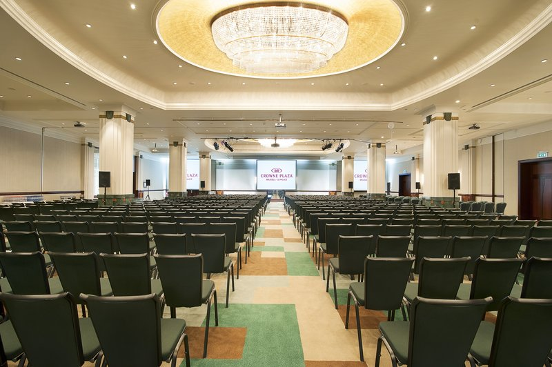 Crowne Plaza Brussels - Le Palace-Ballroom - theatre<br/>Image from Leonardo