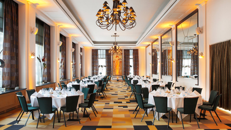 Crowne Plaza Brussels - Le Palace-Klimt room - Banquet Menu style (max. 150 people)<br/>Image from Leonardo