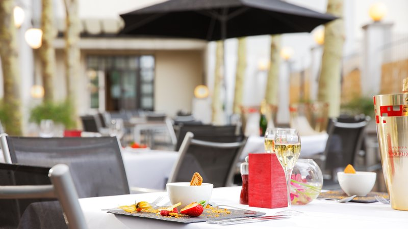 Crowne Plaza Brussels - Le Palace-Relax on the terrace from May to September<br/>Image from Leonardo