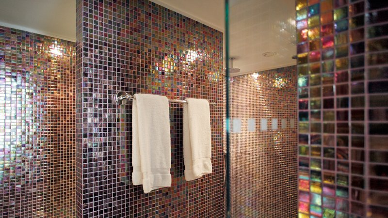 Crowne Plaza Brussels - Le Palace-Spacious bathroom Suite with rain shower<br/>Image from Leonardo