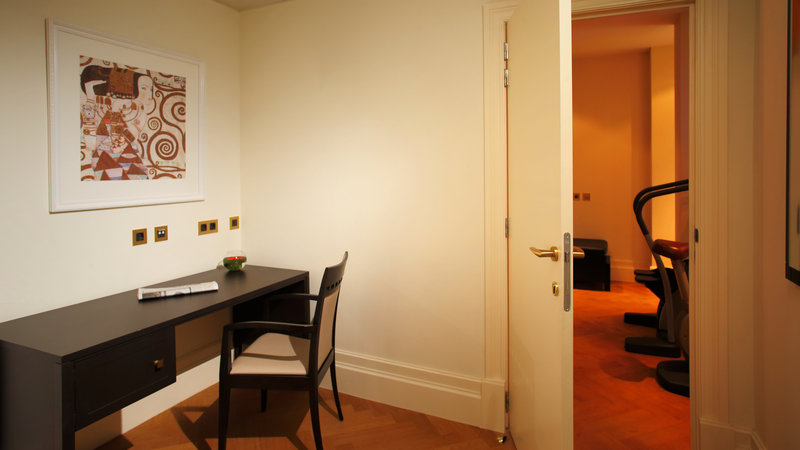 Crowne Plaza Brussels - Le Palace-Office room of Le Palace Presidential Suite<br/>Image from Leonardo