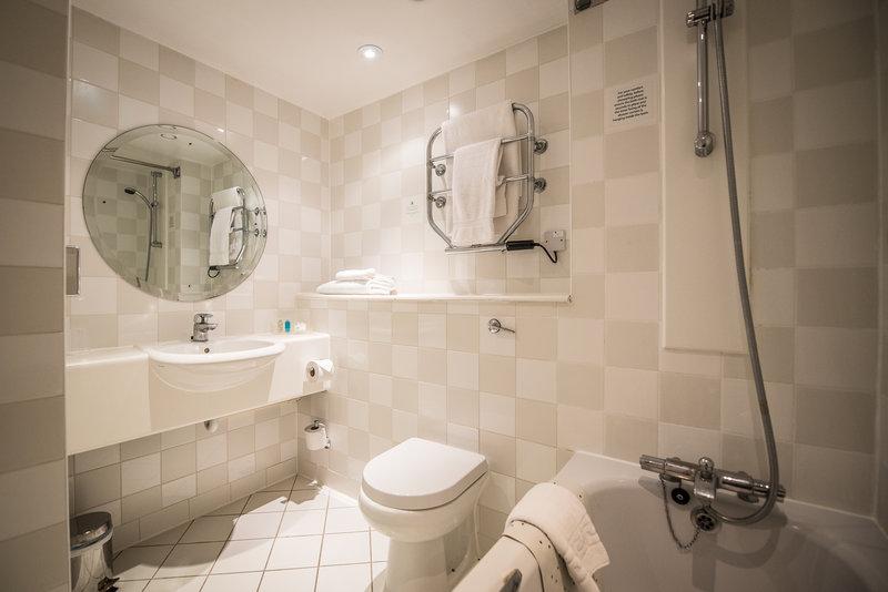 Holiday Inn Cambridge-Guest Bathroom<br/>Image from Leonardo