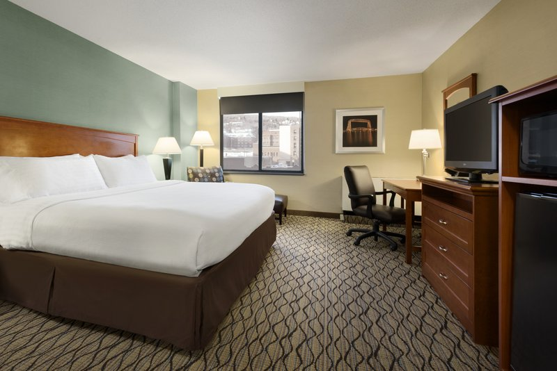 Holiday Inn Hotel & Suites Duluth-Downtown-Suite<br/>Image from Leonardo