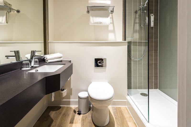Holiday Inn Leeds - Garforth-Bathroom with Walk In Shower<br/>Image from Leonardo
