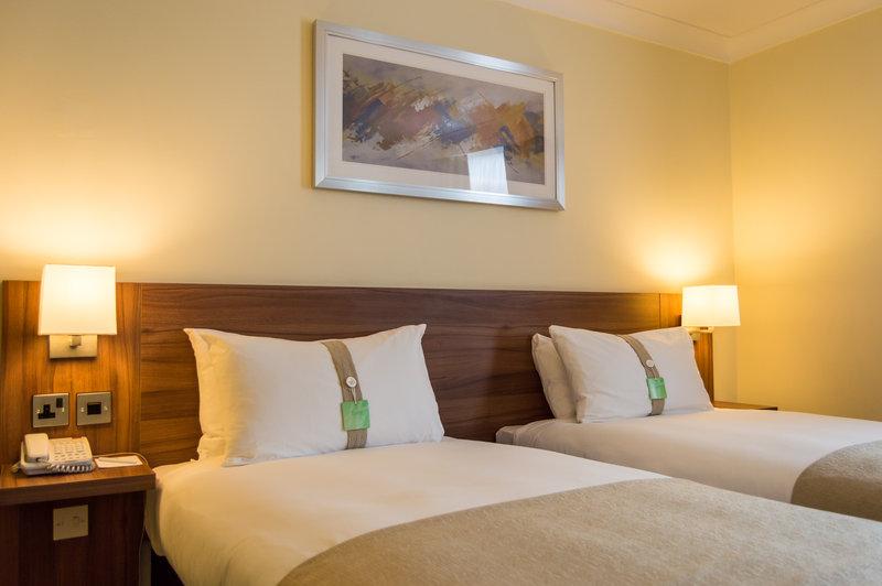 Holiday Inn Leeds - Garforth-Twin Bedroom<br/>Image from Leonardo