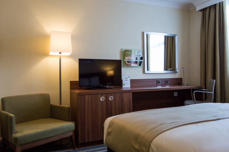 Holiday Inn Leeds - Garforth-Double Room with King Size Bed<br/>Image from Leonardo