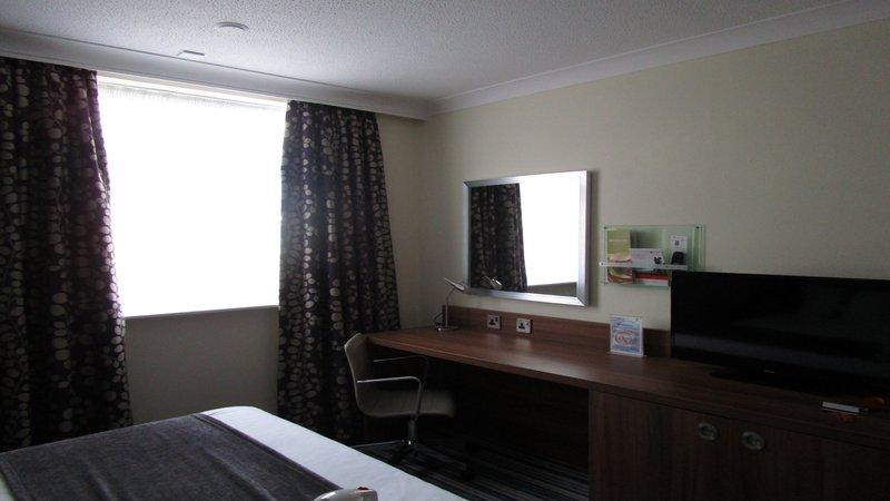 Holiday Inn Leeds - Garforth-Guest Room<br/>Image from Leonardo
