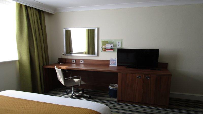 Holiday Inn Leeds - Garforth-STANDARD ROOM WITH WORK DESK<br/>Image from Leonardo