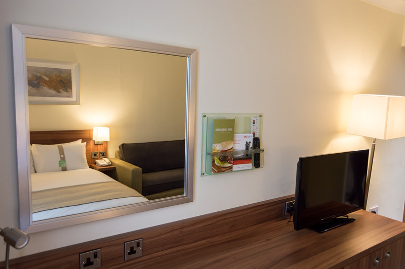 Holiday Inn Leeds - Garforth-Double Bed with Sofa Bed for 1 Child<br/>Image from Leonardo