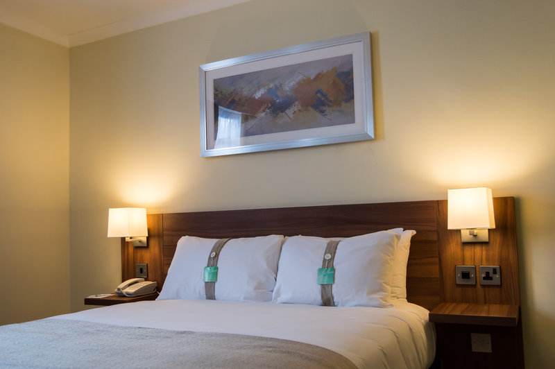Holiday Inn Leeds - Garforth-Double Room with Kingsize Bed<br/>Image from Leonardo