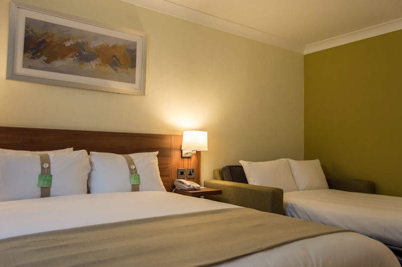 Holiday Inn Leeds - Garforth-Double room with sofa for 1 or 2 children<br/>Image from Leonardo