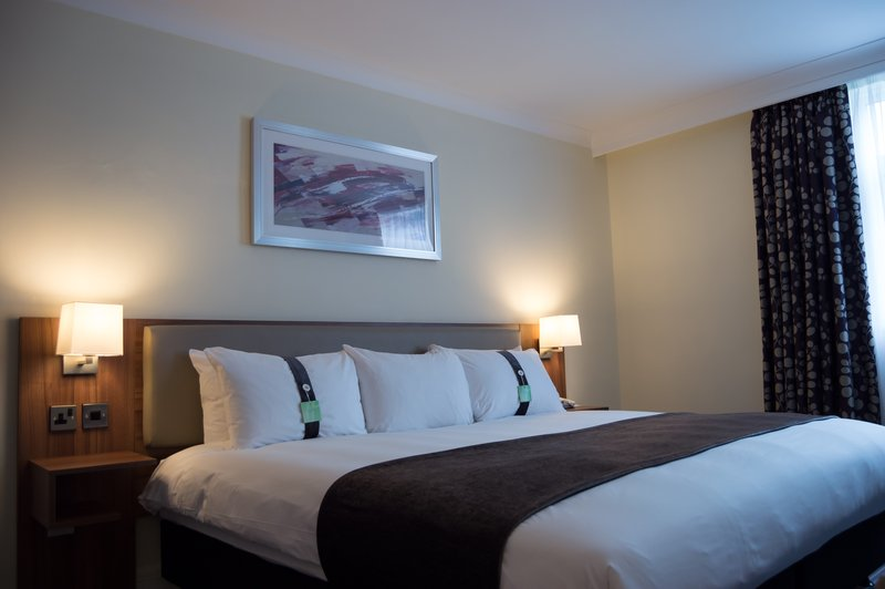 Holiday Inn Leeds - Garforth-Executive Room with King Size Bed<br/>Image from Leonardo